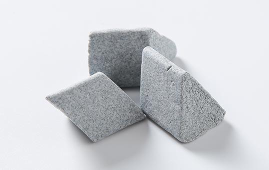 Ceramic media angle cut triangle