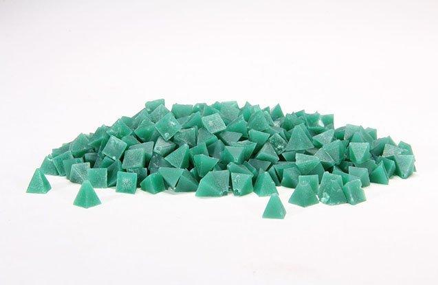 Green pyramid tumbling media