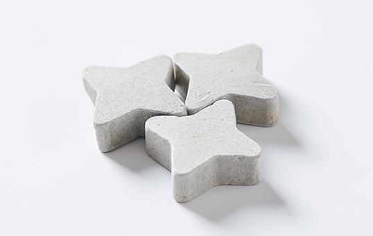 Ceramic media star