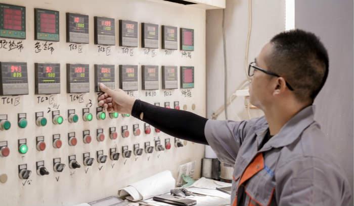 Ceramic media backing kiln temperature control