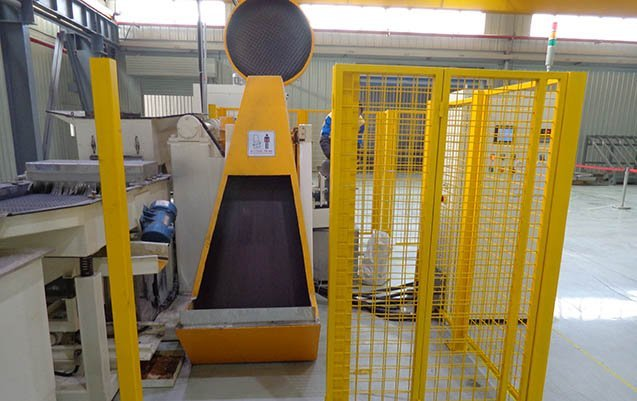 fully automatic Centrifugal disc finishing machine loading hopper