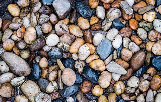 river stone tumbling and polishing