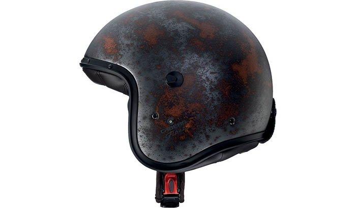 Figure 5 - Dirty and Rusty Helmet polishing